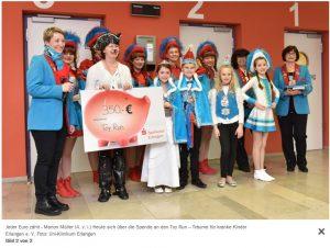 Die Buckenhofer Seku-Narren tanzten für die jungen Patienten und ihre Eltern und übergeben eine Spende in Höhe von 350€